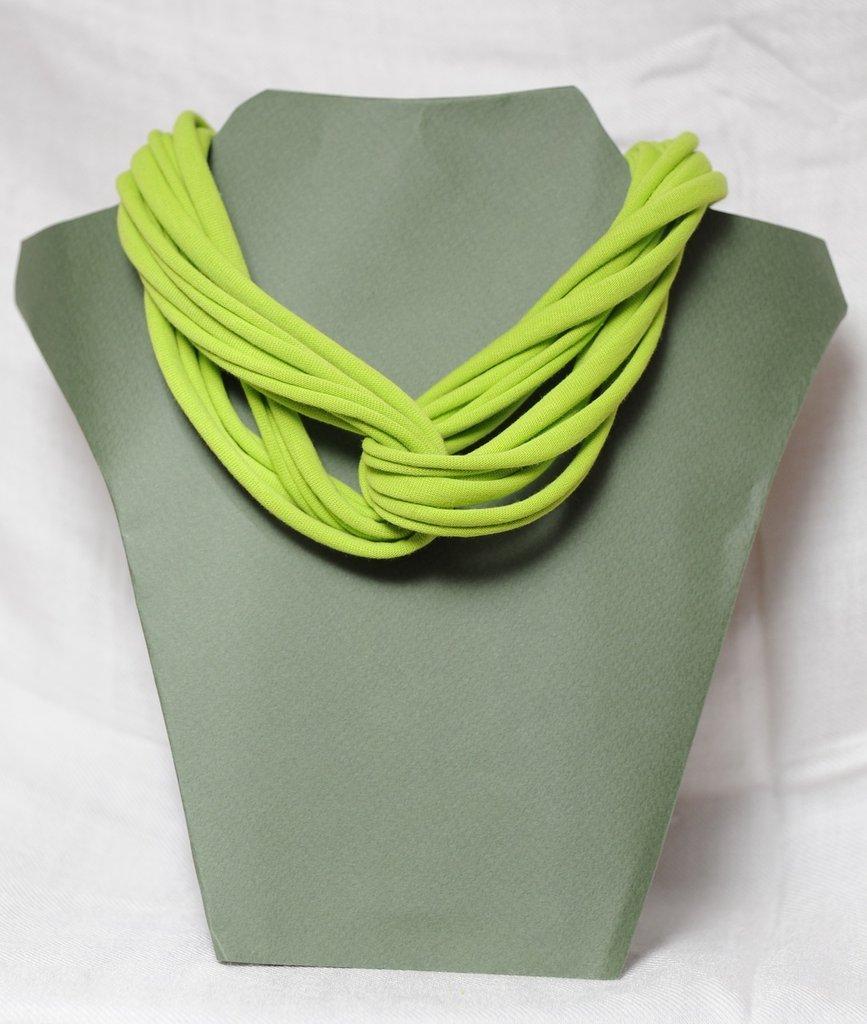 Collana strangolino verde mela in cotone