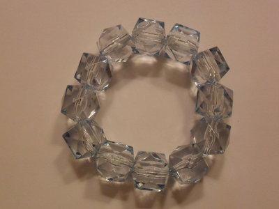 Bracciale azzurro con cubi
