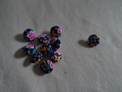 10 bottoni di stoffa con fantasia floreale
