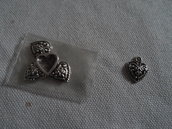 5 charms cuore decorato brunito