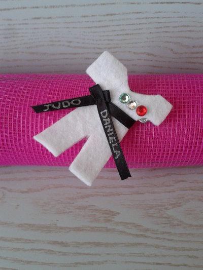 Spilla judogi in feltro