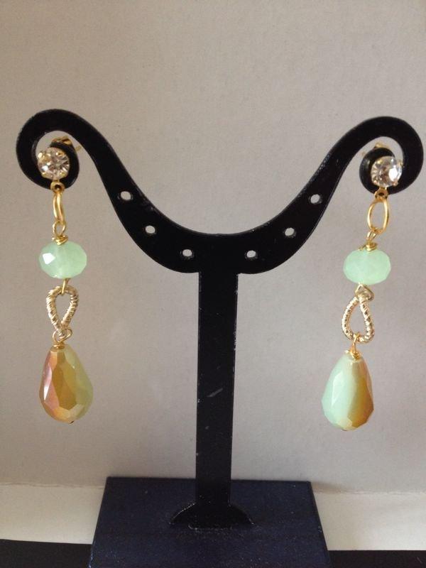 orecchini con cristalli di luce. Swarovski