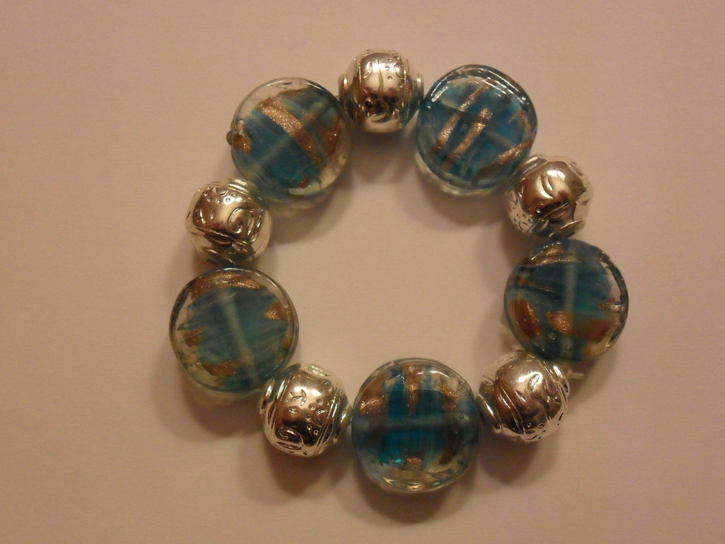Bracciale azzurro e argento