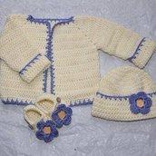scarpine,abitini,cardigan,poncho,cuffie,maglioni fatti a mano in lana e cottone