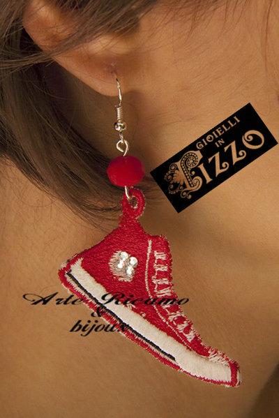 ArteRicamo&Bijoux Orecchini pizzo modello CONVERSE
