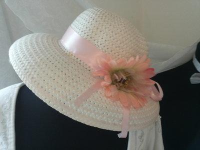 Cappellino cerimonia rosa
