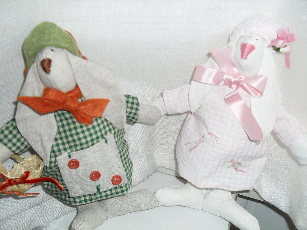 Coniglietti in coppia idea regalo cucina soggiorno for Regalo soggiorno