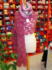 Grande Stola/Scialle  per donna realizzato all'uncinetto 100% artigianale by Fantasie di lana e cotone - Ragusa