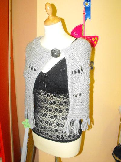 Coprispalle donna realizzato in lana con filato di Krizia 100% artigianale by Fantasie di lana e cotone - Ragusa