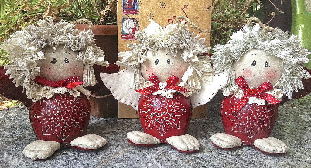Natale - angelo con campanaccio