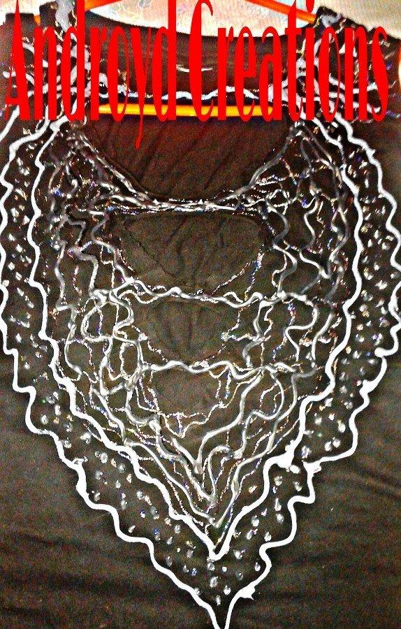 t-shirt a rilievo