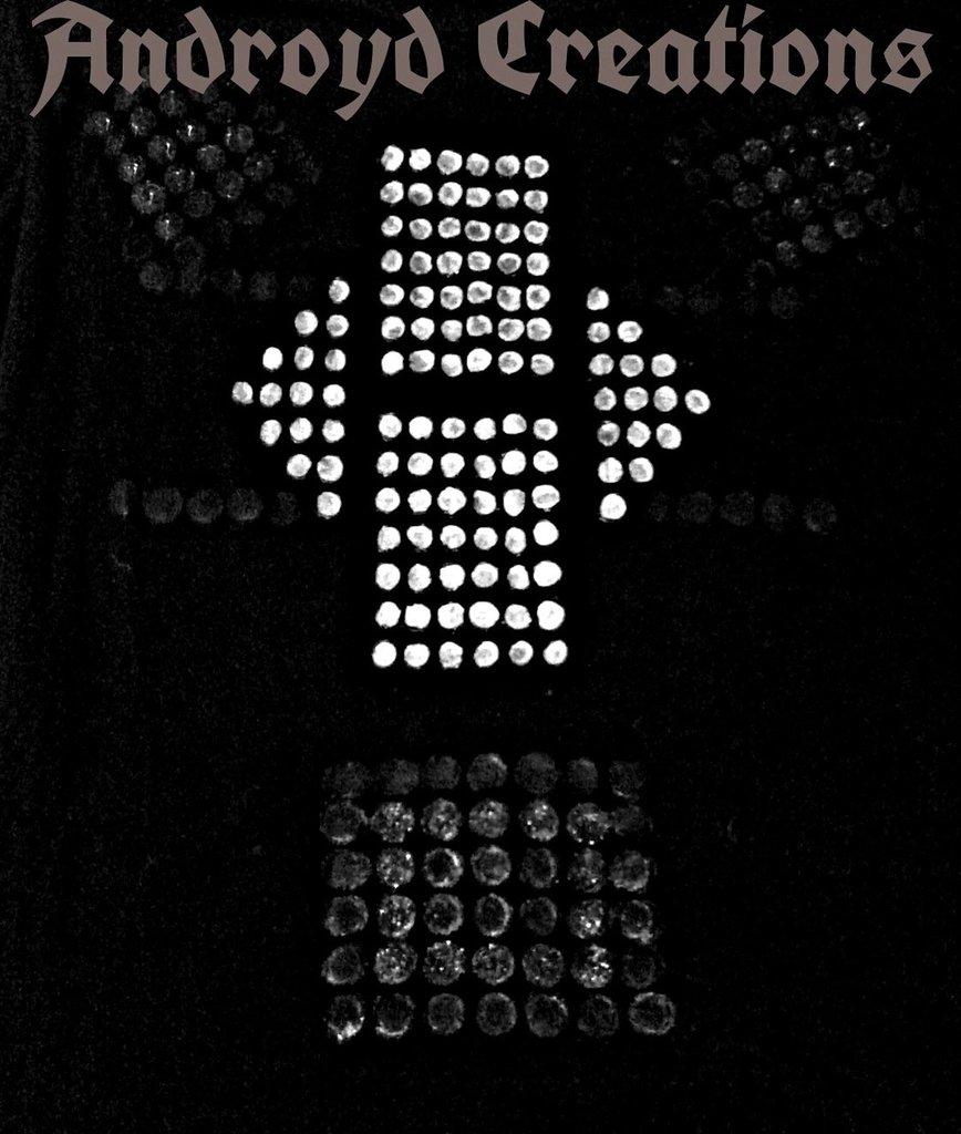t-shirt a rilievo a mano