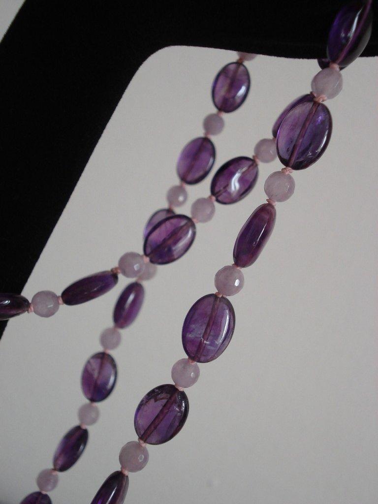 Collana di ametista nei colori viola e lavanda