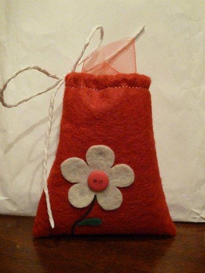 """sacchetti per confetti fai da te, segnaposto artigianale """"botton rosso"""""""