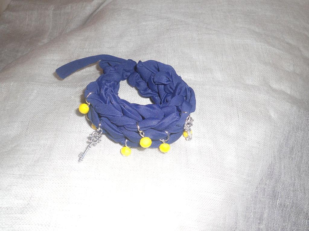 braccialetto in fettuccia