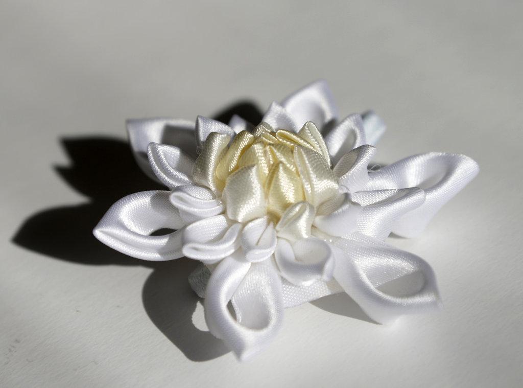 Elastico per capelli con fiore
