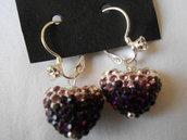 Orecchini pendenti fatti a mano con cuore di strass viola bianchi ,idea regalo.