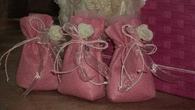 """sacchetti per confetti fai da te, segnaposto """"rosa su rosa"""""""