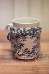 Copri tazza - mug fatto a maglia con fiocco di neve in feltro bianco