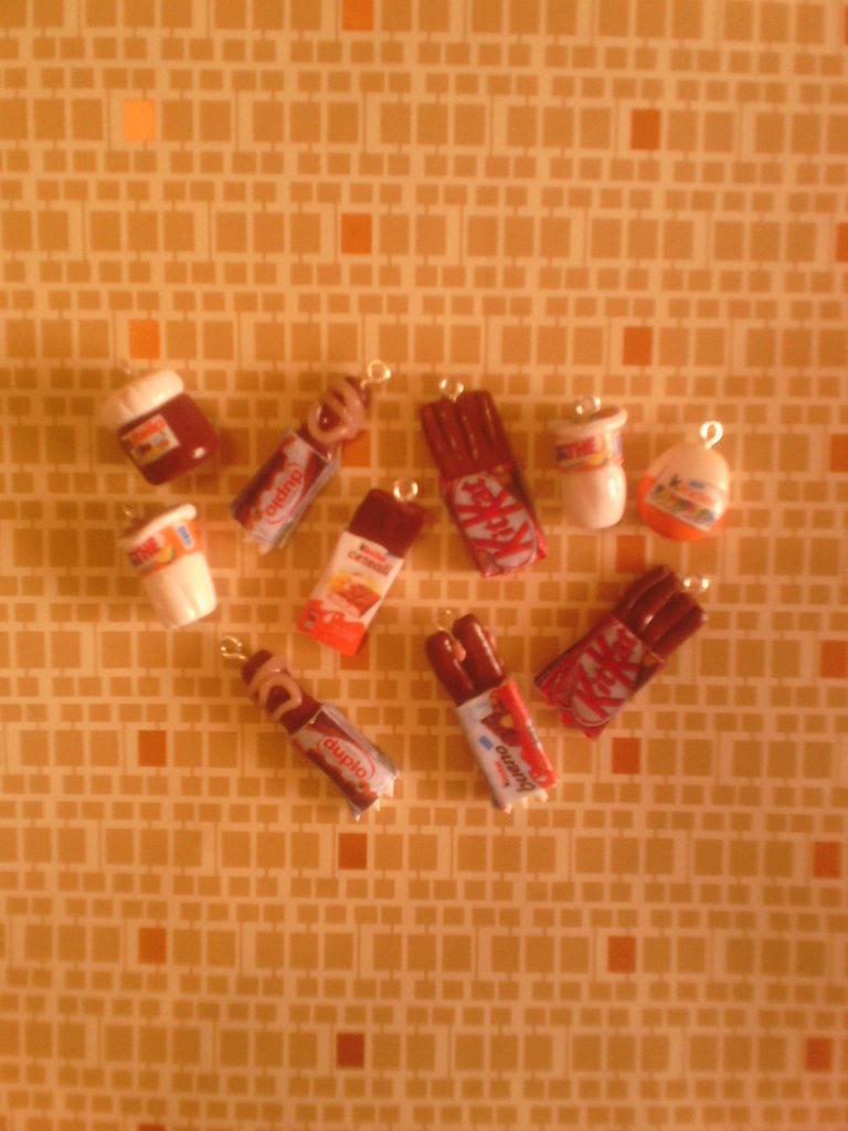 Ciondoli misto snack - kinder cereali,duplo,bueno - fimo charms bracciali orecchini