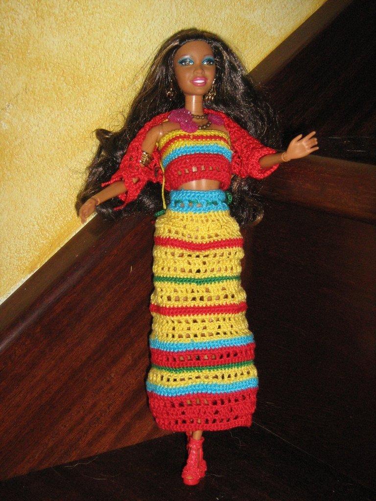 Vestito all'uncinetto per fashion doll