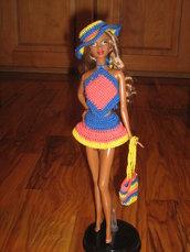 Abito all'uncinetto per fashion doll