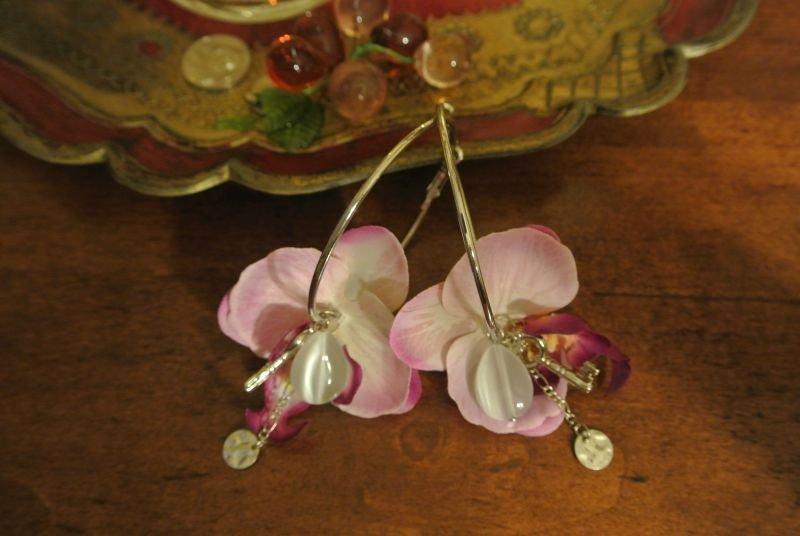 Creole con orchidea e ciondoli - Lupita
