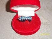 Anello a fascia con perline di fiume celeste, azzurro e cristalli Swarovski color acqua marina - cod. E20