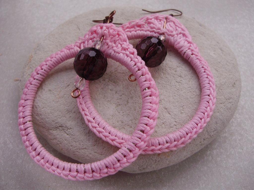 ORECCHINI fatti a mano all'uncinetto con filo cotone 100% e  perle in cristallo, handmade