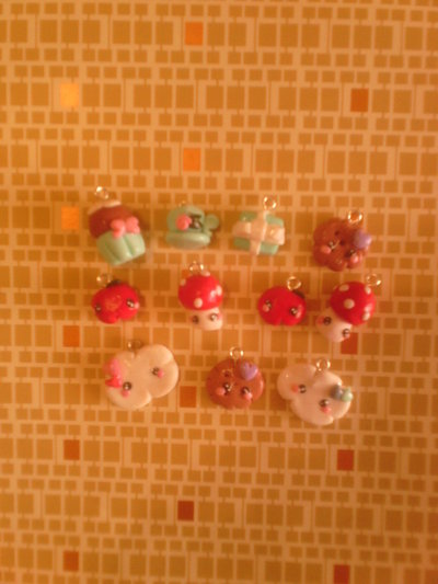 Ciondoli kawaii fimo - cupcake,biscotti,mele,funghetti - charms bracciali collane orecchini portachiavi