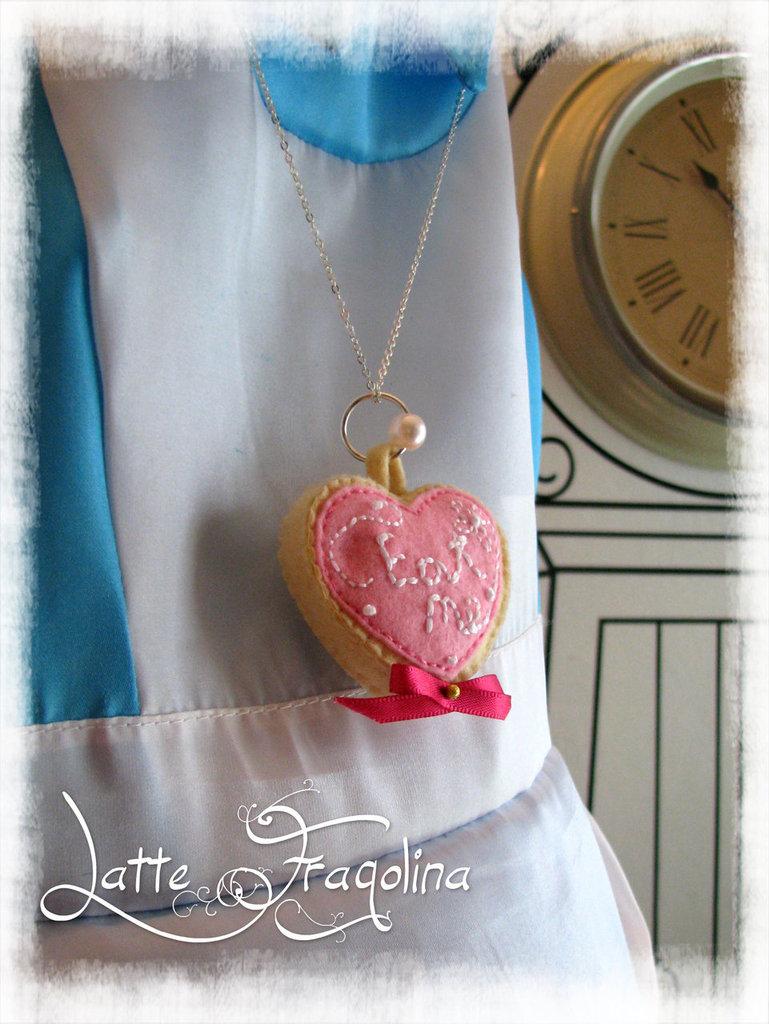 """Alice nel paese delle meraviglie: collana """"Torta Mangiami"""" Collana per Bambini! - fatta a mano, catenella colore argento"""