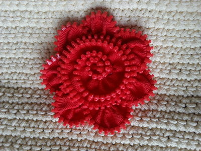 Spilla-cerniera rossa