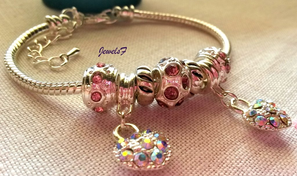 Bracciale perle rosa pietre cuori strass