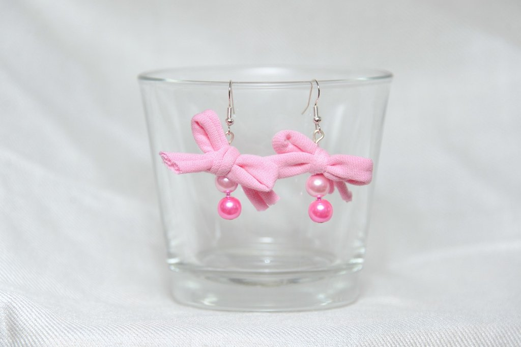 Orecchini Rosa Perle e Fiocco