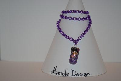 collana color viola con ciondolo kokeshi Memole design