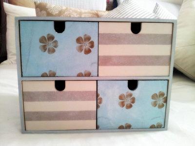Cassettiera in legno multiuso