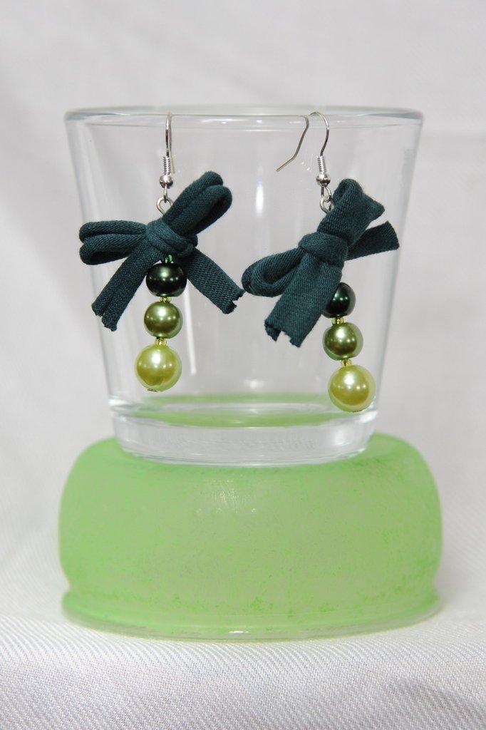 Orecchini Verdi Perle e Fiocco