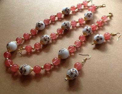 Collana con perle in ceramica