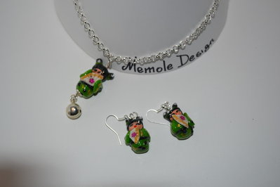 parure kokeshi in fimo verde Memole design