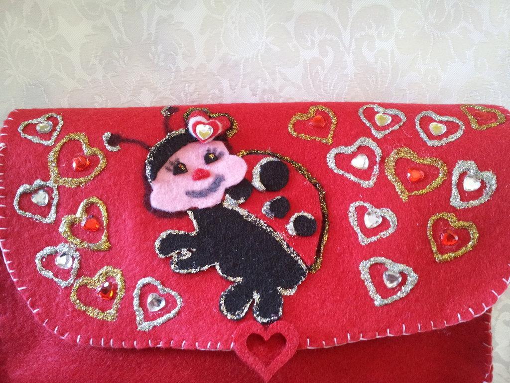 pochette san valentino,in feltro