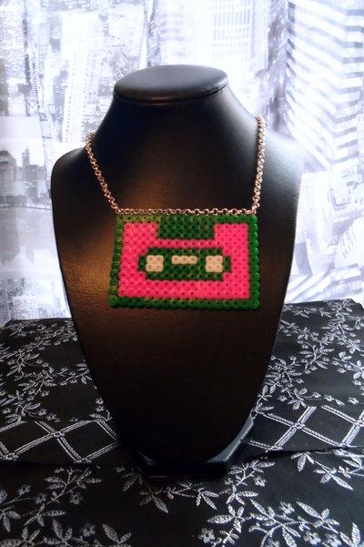 collana hama cassetta verde fuxia