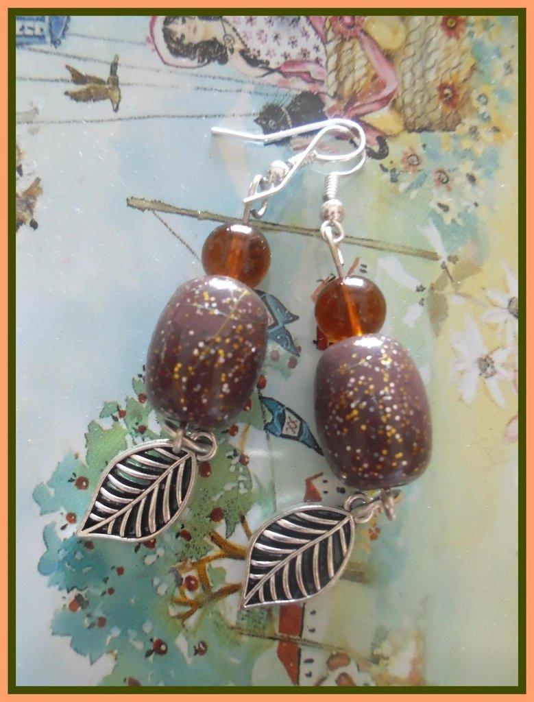 orecchini pendenti con ciondolo e pietra