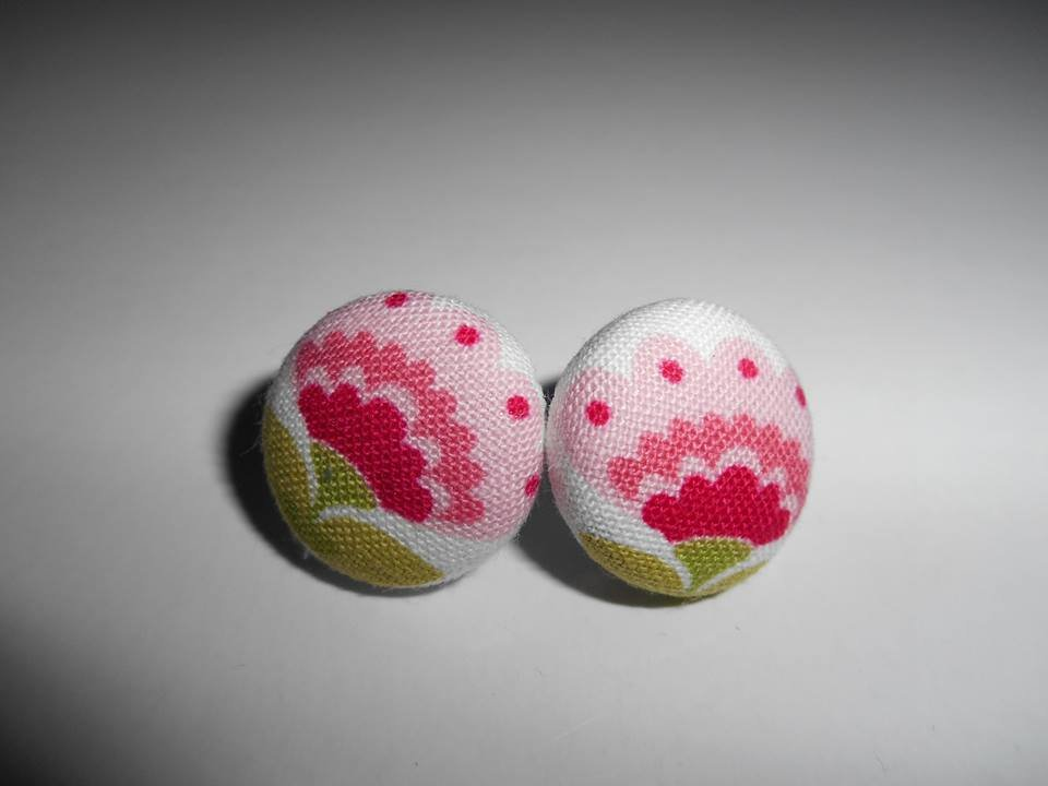Orecchini a bottoncino in stoffa - Fiori Retrò - Stud Earrings - Button Earrings