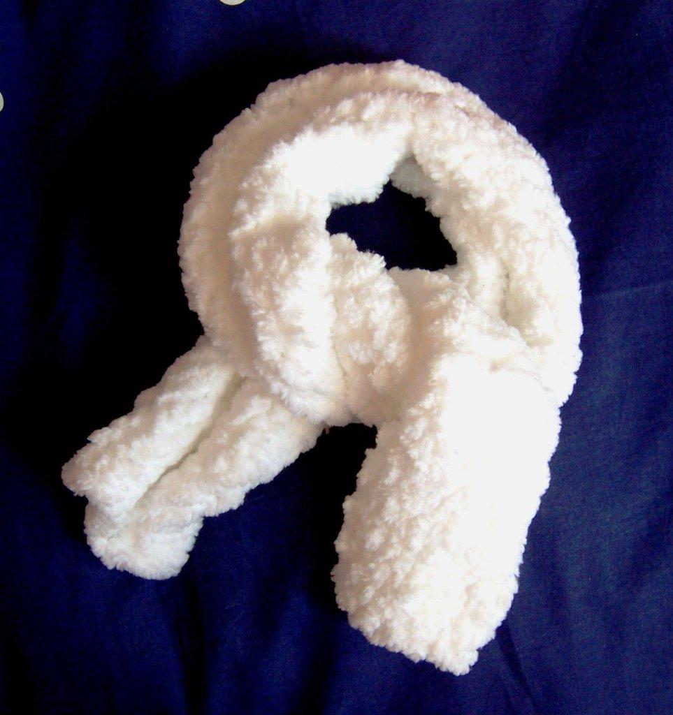 """Sciarpa """"Orsetto"""" a maglia in ciniglia (art.48)"""