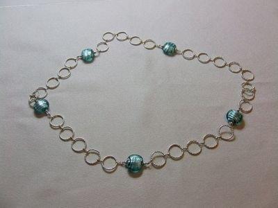 Collana in metallo rodiato con perle in vetro color azzurro - cod. A27