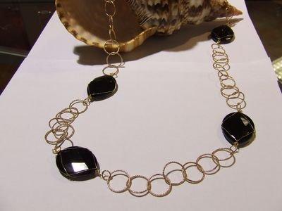 Collana in metallo rodiato color rame e pietre in onice nera - cod. A31