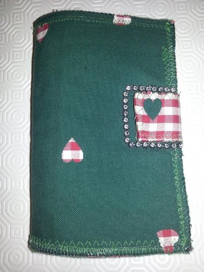 Portafoglio verde fatto a mano in feltro e pannolenci