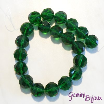 Lotto 2 perle in vetro sfaccettate verde scuro 18 mm