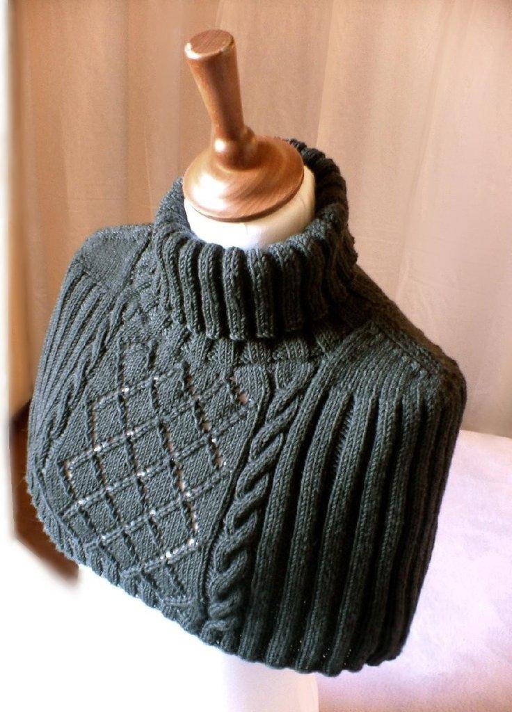 Capelet-Shrug-Neck-Back-Warmer-Dark-Grey