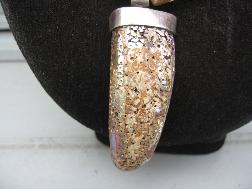 collana in pietra dura e fossile Celtic Queen